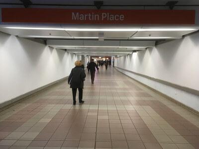 マーティンプレイス駅