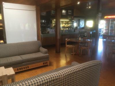 ラミントン国立公園のカフェ