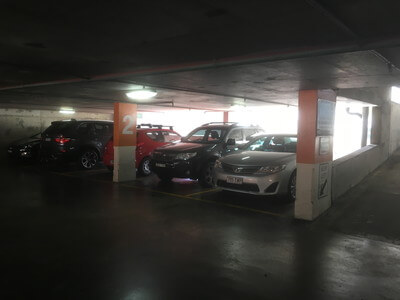 マンリービーチの無料駐車場