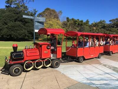 ロイヤルボタニックガーデンの電車
