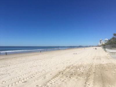 サーファーズパラダイスのビーチ