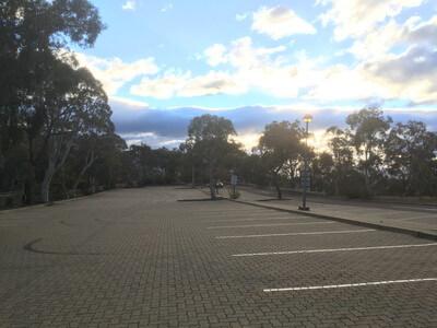 オーストラリア戦争記念館の 駐車場
