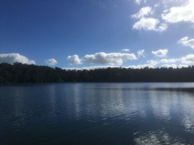 イーチャム湖