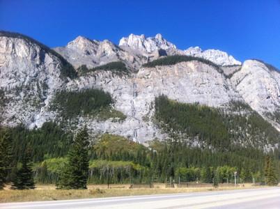 バンフの岩山