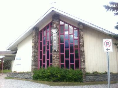キャンモアの教会