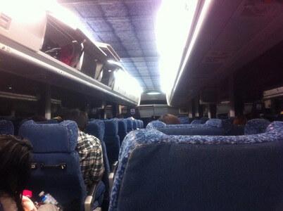 グレイハウンドの夜行バス