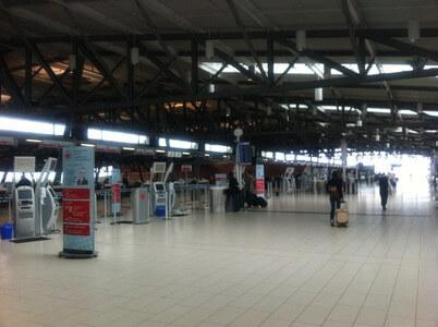 オタワ・マクドナルド・カルティエ空港