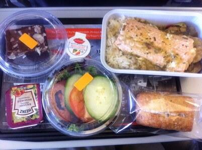 イエローナイフ行き飛行機の機内食