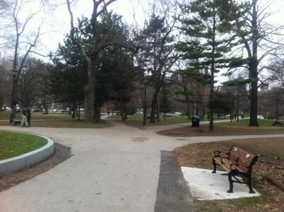 クイーンズ公園