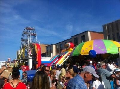 トロントのグリークフェスティバル