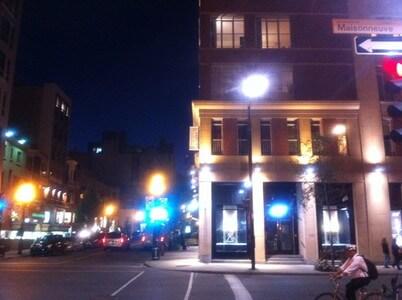 モントリオールのMaisonneuve U通り