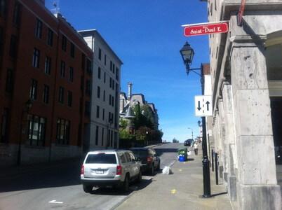 モントリオールのNotre-Dame E通り