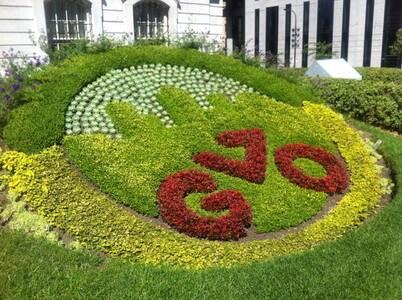 モントリオール市庁舎の花壇