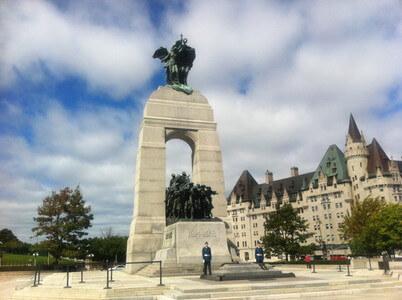 オタワの戦争記念碑