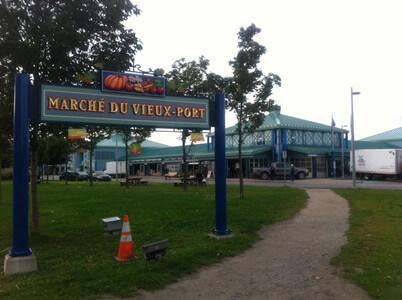 ケベックの旧港市場