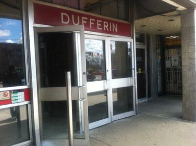 トロントのDufferin駅
