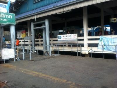 バンコクのボート乗り場