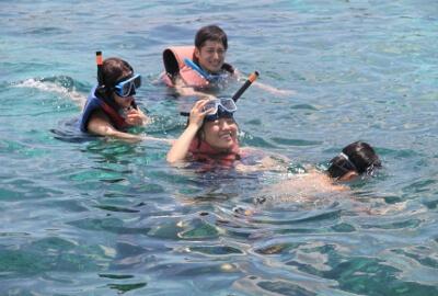ボラカイ島でシュノーケリング