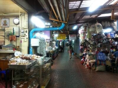 チェンマイのワローロット市場