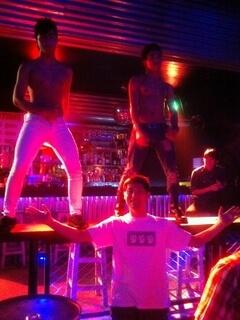 パトンビーチのゲイバー