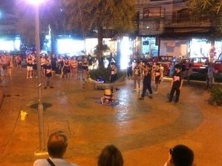 パトンビーチのストリートダンス