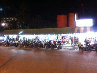 パトンビーチの市場