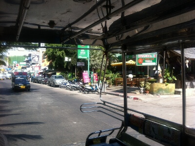 パタヤ―ビーチ通り