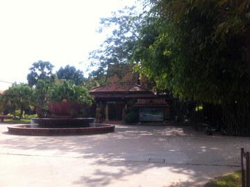 シェムリアップ郊外のカンボジア文化村