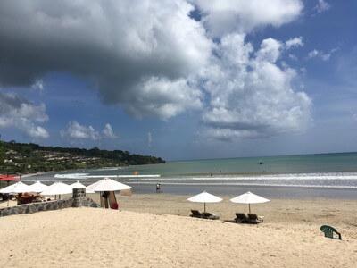 バリ島のジンバランビーチ