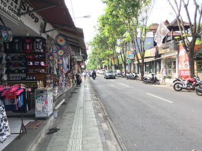 バリ島のジャラン・レギャン通り