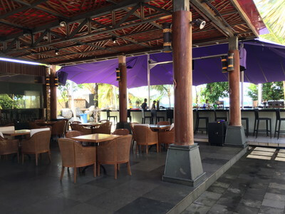 ヌサドゥアビーチのレストラン