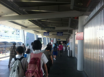 シンガポールからジョホールバルへ