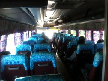 プノンペンからホーチミン行きのバス
