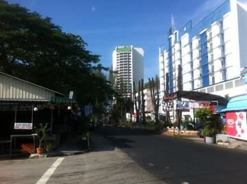 ペナン島のバトゥ・フェリンギ通り