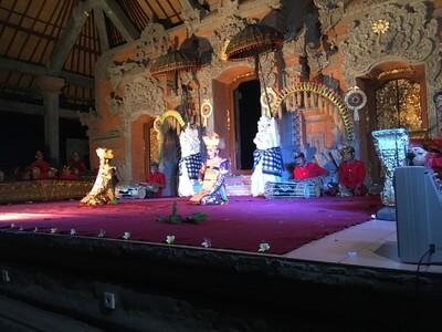 ウブド王宮のバリ舞踊