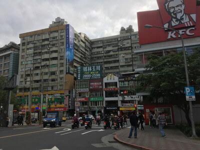 台北の新北投駅周辺