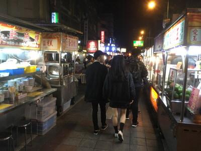 台北駅近くの夜市