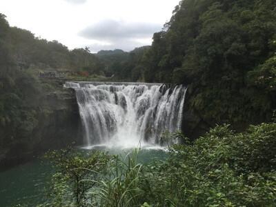 台湾の十分瀑布
