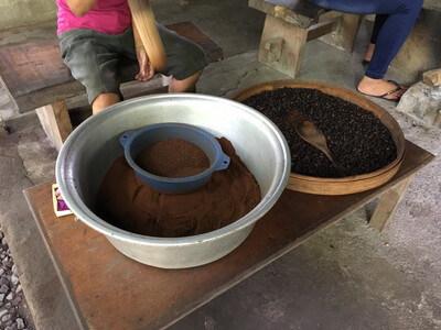 ウブド郊外のコーヒー農園