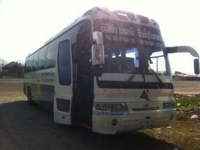 バンビエンからルアンパバーンへのバス
